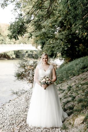 Martina, wunderschöne klassische Braut Foto: Gloria Schwan Fotografie