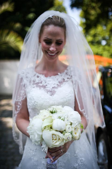 Bianka war eine super klassische Braut, komplett in weiß auch die Blumen gehalten.