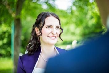 Die hübschen Augen von meiner Braut Stefanie hab ich mit kühlen Lidschatten geschminkt, sodass sie richtig zum Strahlen kommen  Foto: privat