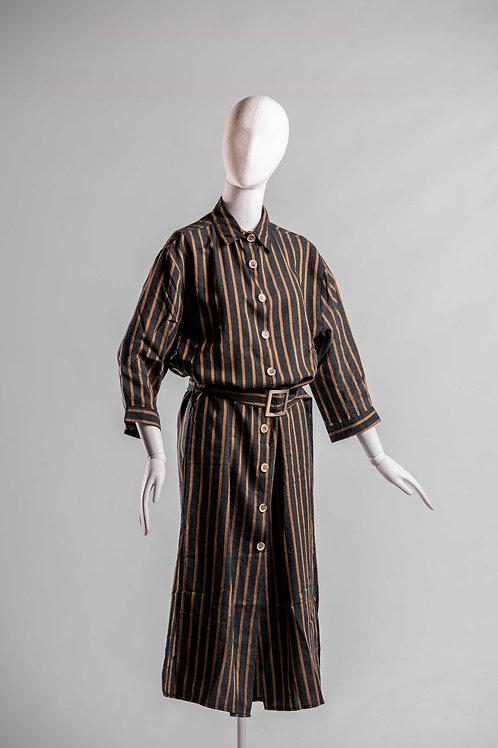 Kleid Linien