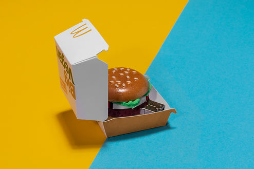 200417_McD_Burger_USB_Packshot_02_close.