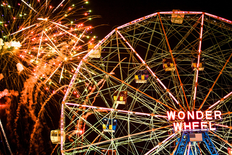 Wonder Wheel 'Works.JPG
