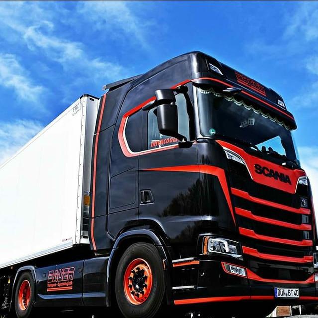 LKW aus unserer eigenen Flotte