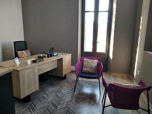 Christel AUDIBERT: thérapeute à Carpentras dans le Vaucluse présente son cabinet.
