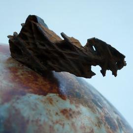 détail sur piéce en terre sigillée