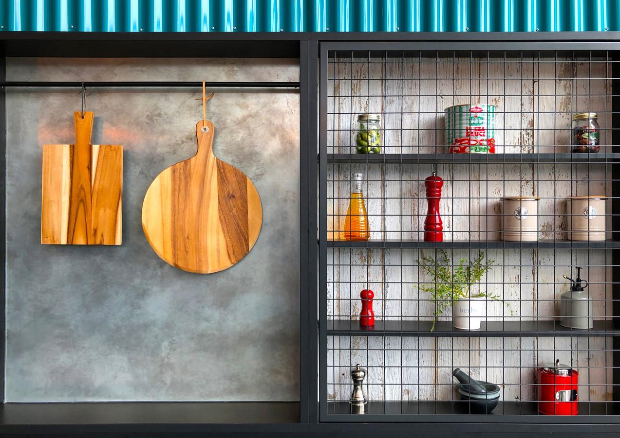 Küche_mit_Metallregal.jpg