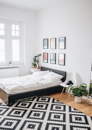 Schlafzimmer_mit_Bildern.jpg