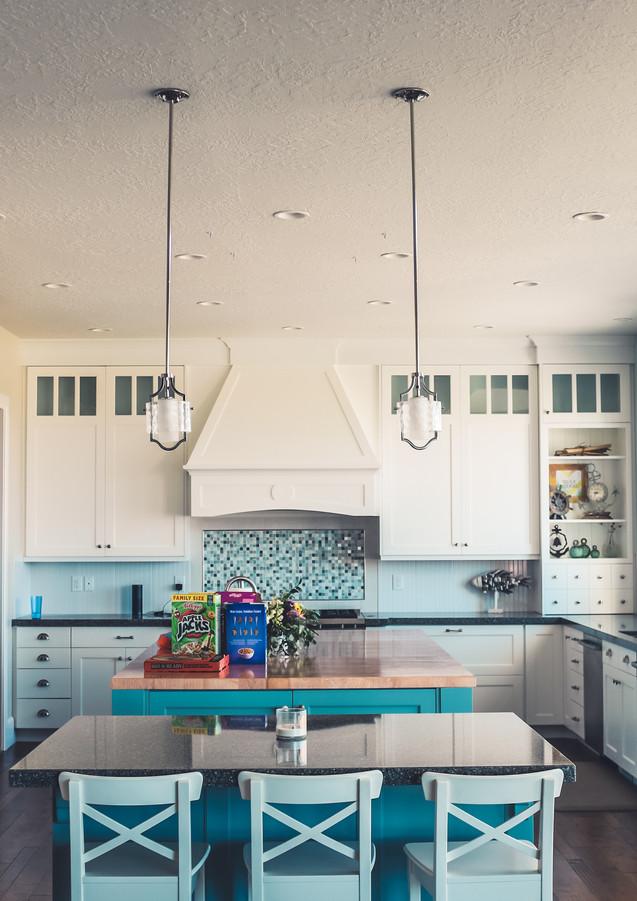 Küche_in_Blautönen.jpg