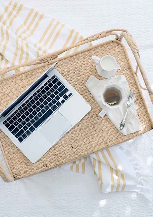 Home_Office_auf_Tablett.jpg