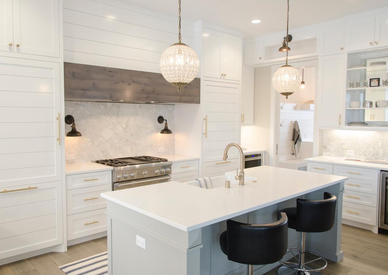 Küche in weißem Marmor