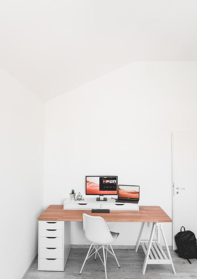Home_Office_DIY_Tisch.jpg