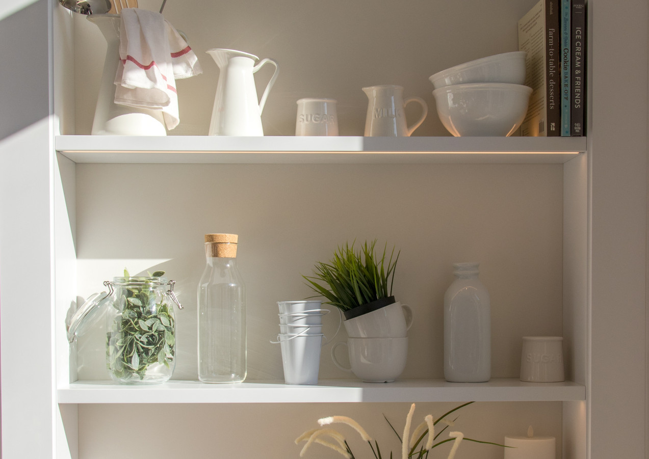 Küchenregal_mit_Pflanzen
