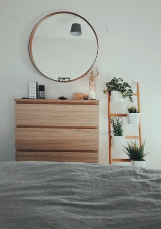 Schlafzimmer_Schubladenschrank.jpg