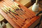 17 houtsnijden ambachtelijk houtwerk tho