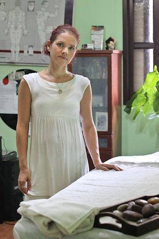 אינה גרינברג -קליניקהInnchi רפואה אלטרנטיבית בחולון: שיאצו, דיקור סיני, עיסוי פנים יפני, עיסוי תאילנדי, קינזיו טייפינג