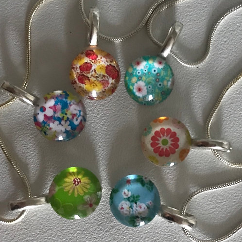 Pretty floral pendants and chain