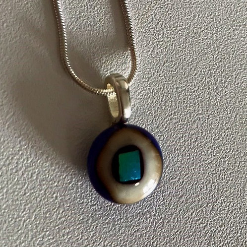 "Blue ""eye"" pendant with chain"