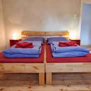 Schlazimmer 2 Bild 1.JPG