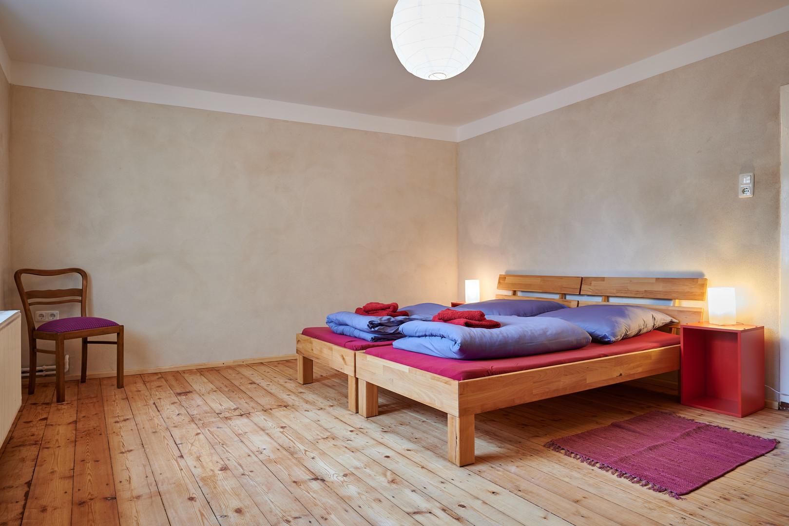 Schlafzimmer 2.JPG