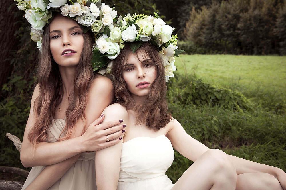 Modelki w sesji a'la leśne nimfy