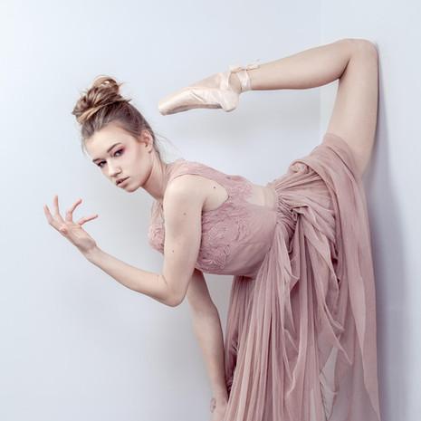 fashion-editorial-ballet-Lidka-Eastern-0