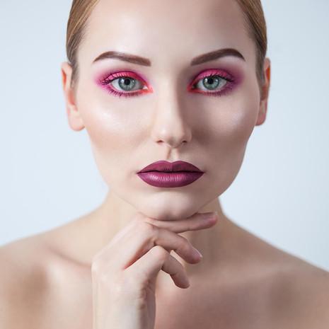 sesja-beauty-rozowy-makijaz-Justyna-02.j