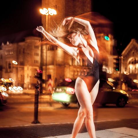 nocna-taneczna-sesja-zdjeciowa-poznan-ma
