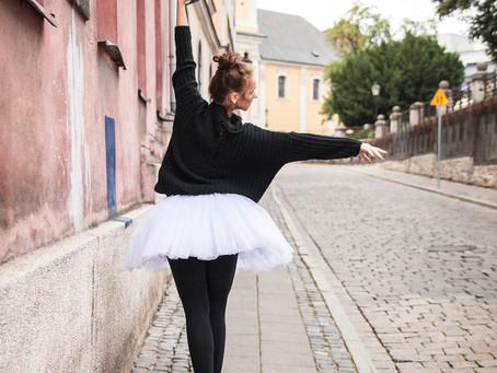 Baletowa sesja w centrum Poznania – Magda