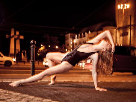 Taneczna, nocna sesja zdjęciowa z Mariką