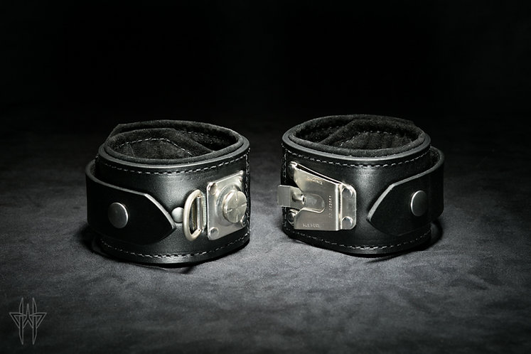 Slide-Lock Ankle Cuffs (Onyx)