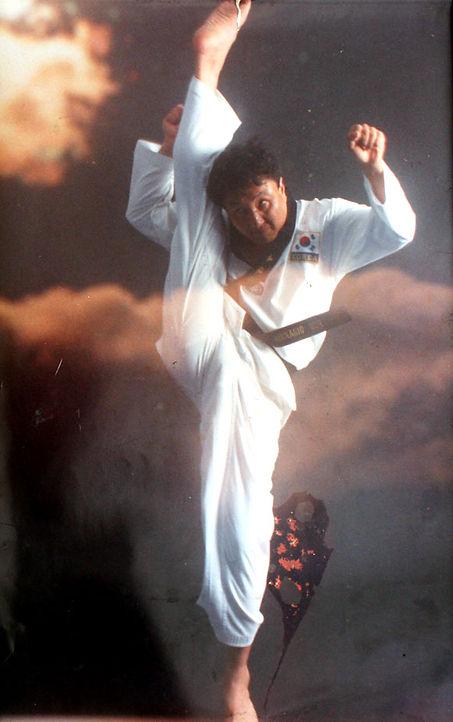 patada de taekwondo, artes marciales en madrid
