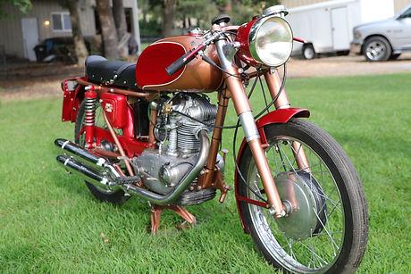 1960 Ducati 175ss 1.JPG