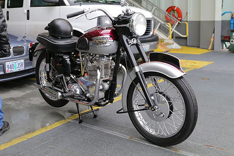 650 Triumph 1.JPG