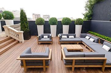Modern-outdoor-living-meets-English-char