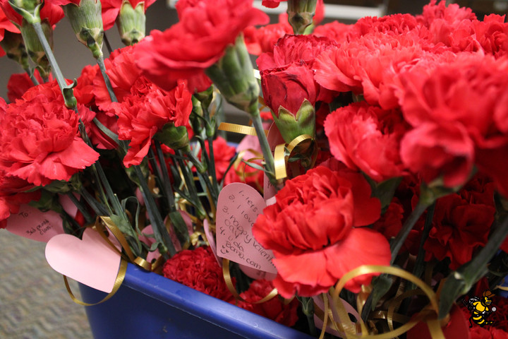 EHHS Shows Love by Supporting Fellow Classes in Valentine's Day Fundraisers