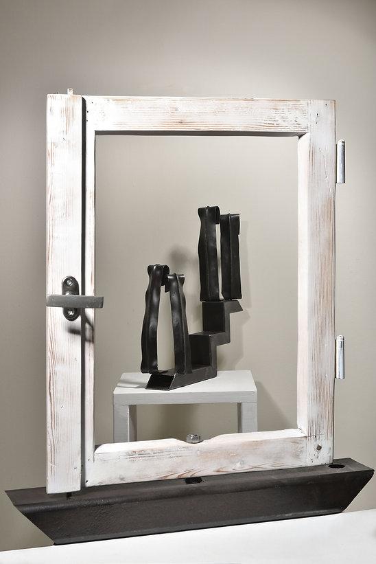 אורית ווינברג-מיצב חלון.jpg