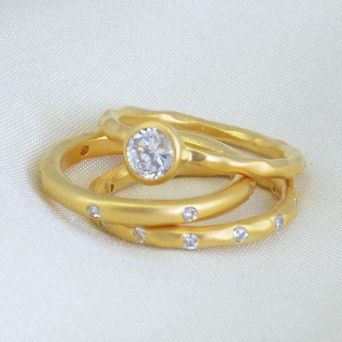 WHITE TOPAZ SATIN GOLD RING SET