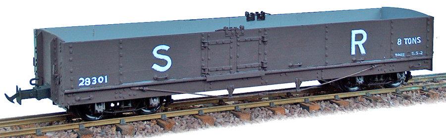 R19-12AB L&B Bogie Goods Wagon, SR Brown #28302