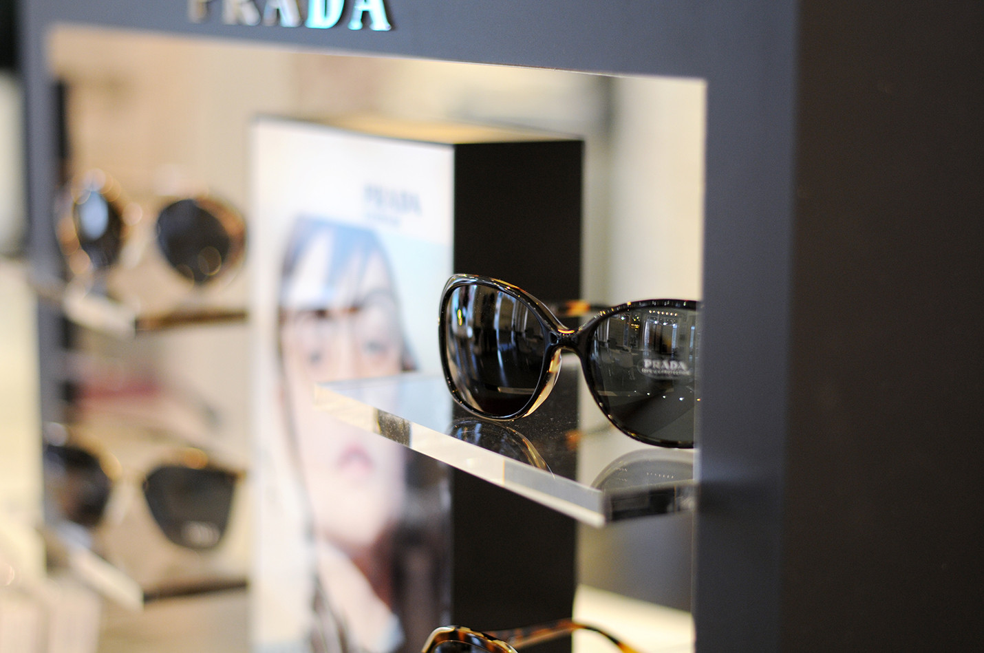 Optik_Boehmer_Prada_Detail_100.jpg