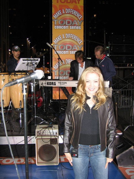 Jana Anderson singing background vocals for Stevie Nicks on The Today Show at sound check