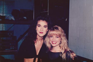 Jana Anderson singing background vocals for Celine Dion