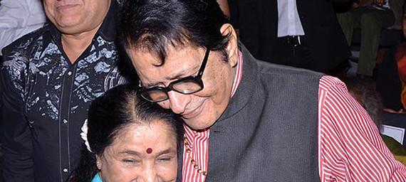 Manoj Kumar and Asha Bhosle