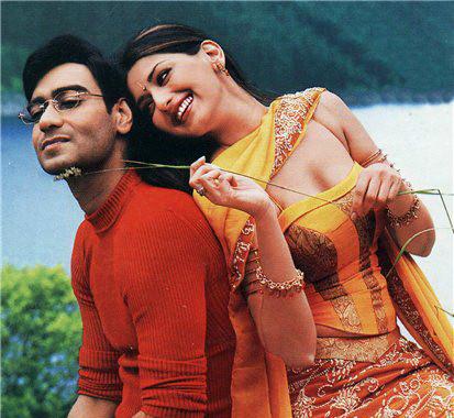 Ajay Devgan and Sonali Bendre