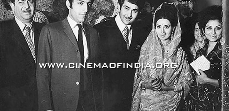 Raj Kapoor, Pataudi, Randhir Kapoor, Babita and Sharmila Tagore