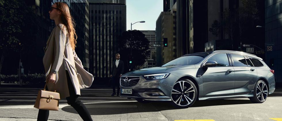 Opel_Insignia_ST_Exterior_21x9_ins19_e02