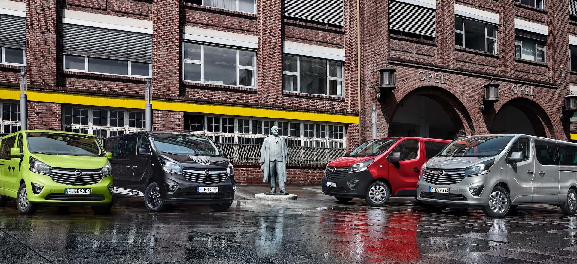 Opel_Vivaro_Tourer_Colors_21x9_vip18_e01