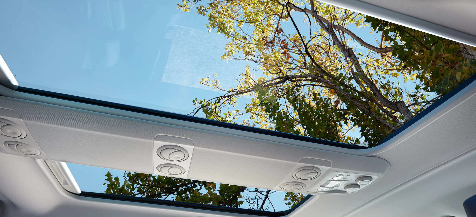 opel_zafira_life_panoramic_sunroof_21x9_
