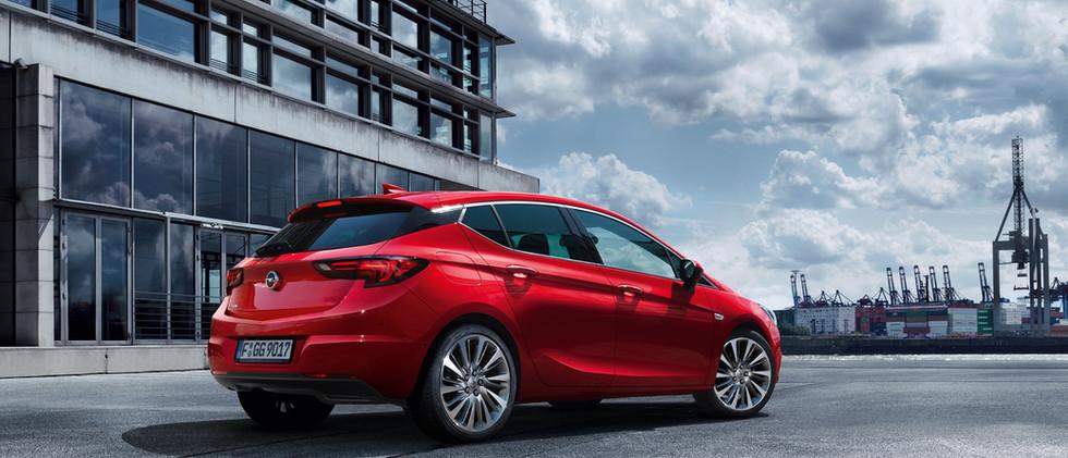 Opel_Astra_Hatchback_LED_Lights_21x9_as1