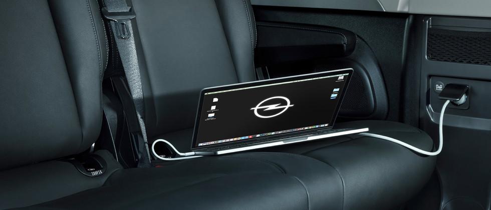 Opel_Vivaro_Tourer_Mobile_Office_21x9_vi