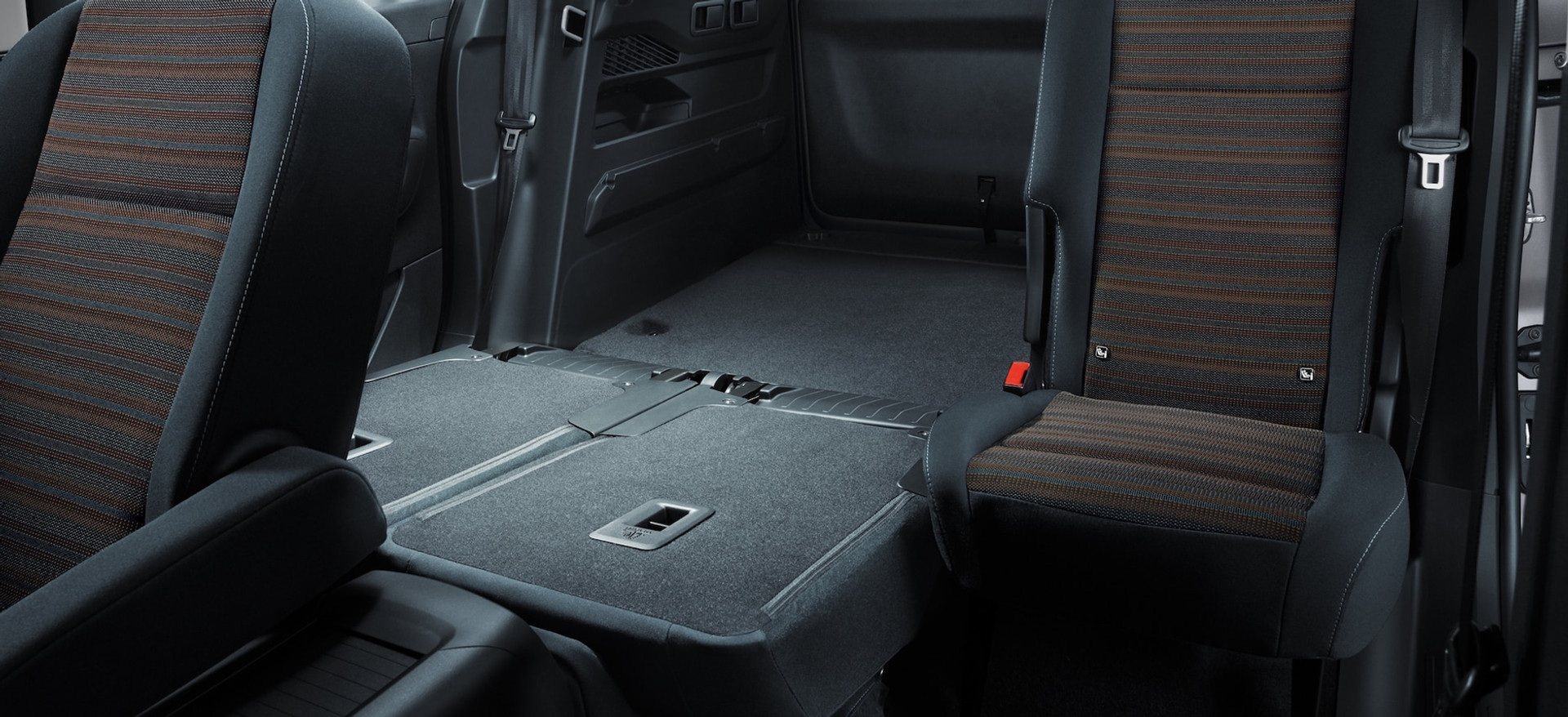 opel_combo_life_rear_split_seats_21x9_cm